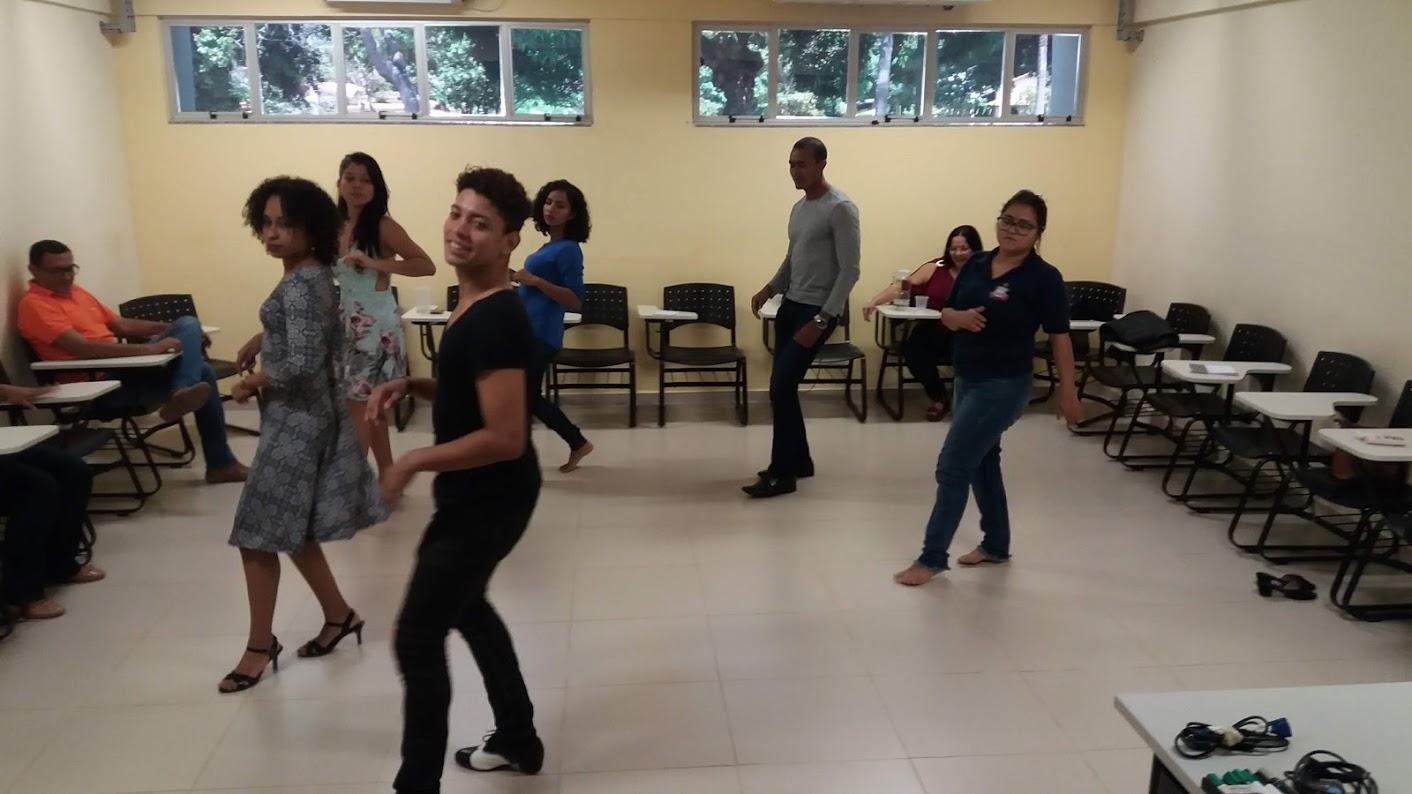 """Progep promove ação """"Dançar é Vida e Saúde"""" para servidores no Campus Soure"""
